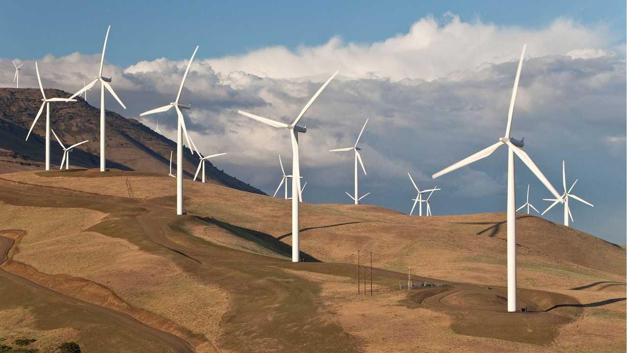 Fuentes renovables: eólica y solar
