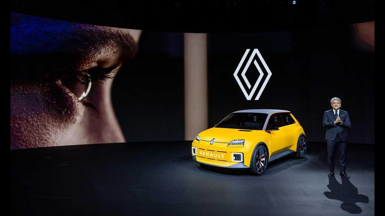 Luca de Meo y el Renault 5 Prototype