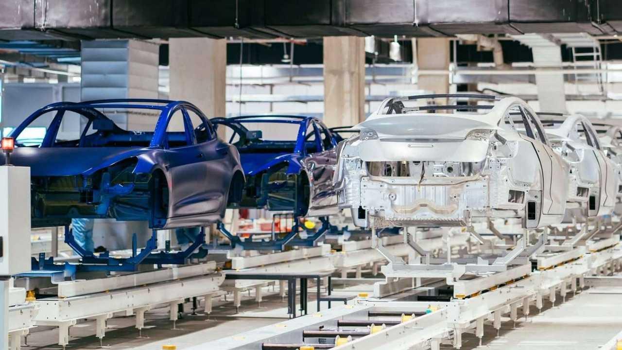 Imágenes de progreso de Tesla Gigafactory 3